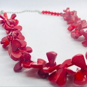 NWOT-H.D.N.Y crimson Coral Bead Cluster Necklace